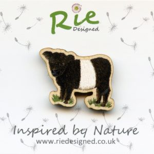 beltie wooden brooch