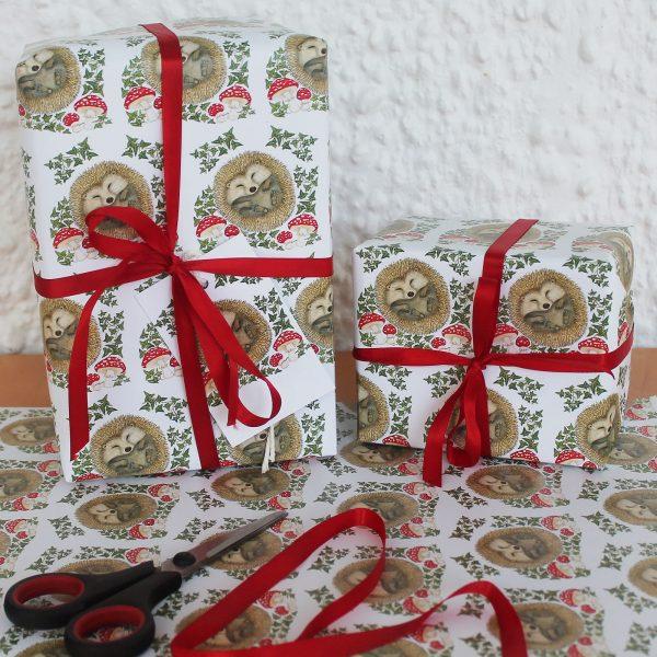Christmas-hedgehog-wrap