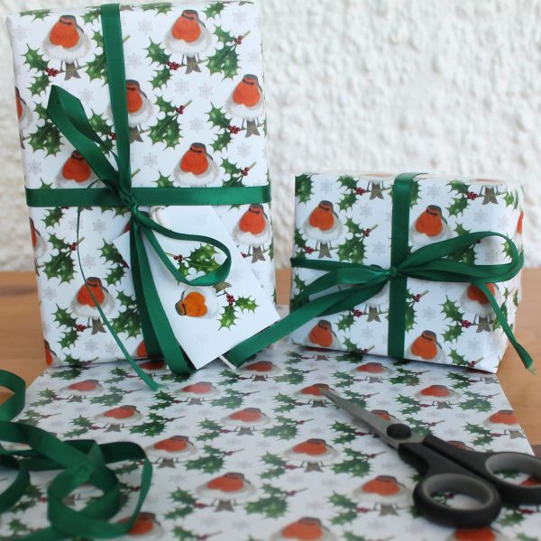 Robin-and-holly-gift-wrap