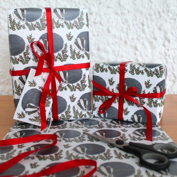 Snowy-badger-gift-wrap