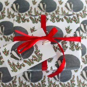 Snowy-badger-gift-wrap