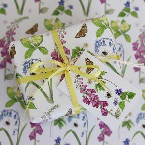 Woodland-wild-flowers-gift-wrap